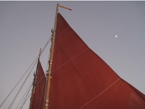 Sailing on Hōkūleʻa 2